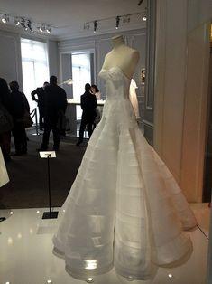 cat design fashion kawaii Подготовка к показу Dior Haute Couture visit www.buysomethingcute.com Couture Dresses, Bridal Dresses, Wedding Gowns, Fashion Dresses, Gown Pattern, Dress Patterns, Under Dress, The Dress, Couture Sewing Techniques