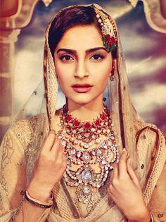 Sonam Kapoor in bridalindian jewellery. Ruby and kundan neclace. Uncut diamond neclace. Maang tikka.