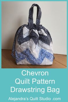 Chevron Quilt Pattern Bag Chevron Quilt Pattern, Quilt Patterns, Quilting Tutorials, Bag Making, Free Pattern, Quilt Studio, Quilts, Sewing, Bags