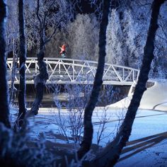It is not rare for the temperatures in Helsinki Finland to get below -20 degrees Fahrenheit. Falling into water when it's that cold is dangerous to say the least. Heikki Sorsa avoiding the water while filming for his full part in Ender; up now on www.twsnow.com. @mexifin Photo: @pasisalminen #twsnow