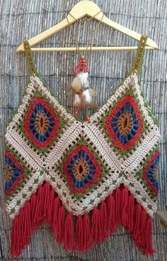 This is an awesome halter! No pattern;but if you need a pattern,there are over 2000 free granny square patterns on my granny square board!!