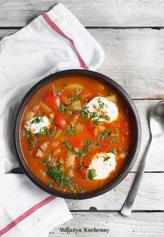 Zupa cygańska – pomidorowa zupa z ziemniakami, papryką i boczkiem wędzonym Soup Recipes, Vegan Recipes, Cooking Recipes, Vegan Gains, Homemade Soup, Easy Food To Make, My Favorite Food, Food Inspiration, Food Porn