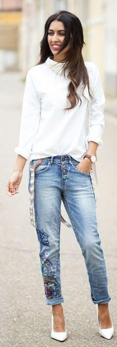 Desigual Denim embellished Loose Fit Jeans by Sissy à La Mode
