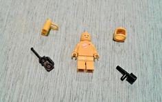 Lego Classic Black White Spaceman Gold Moon Torso Rare Minifigure w Helmet x 1