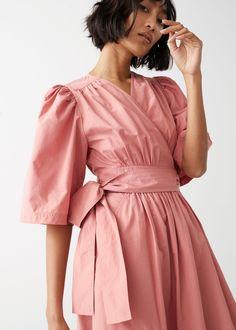 Voluminous Wrap Midi Dress - Dusty Pink - Midi dresses - Other Stories Orange Midi Dress, Morticia Addams, Cotton Dresses, Midi Dresses, Wrap Dresses, Leather Sandals Flat, Wrap Dress Floral, Pink Outfits, Fashion Story