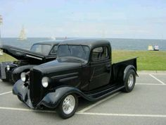 1936 Chevy, love the color