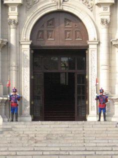 the president's door, Lima, Peru    Palacio de Gobierno