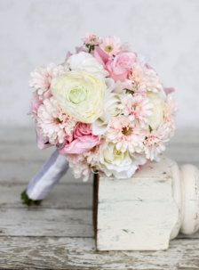 blush roses daisies wedding bouquets - Google Search