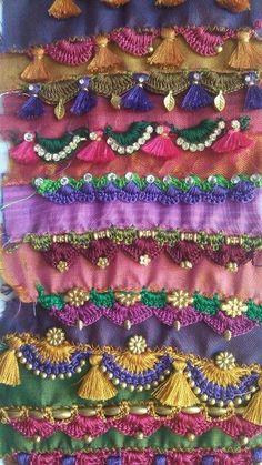 Crochet kuchchu (tassels) for sarees - Bangalore Saree Tassels Designs, Saree Kuchu Designs, Dress Designs, Saree Border, Crochet Cushions, Hand Embroidery Designs, Crochet Trim, Loom Beading, Crochet Designs