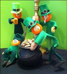 How To Populate a Leprechaun Colony.  Make cute leprechauns from pipe cleaners