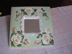 specchio con decorazione magnolia e pizzo