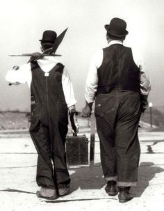 Stan Laurel and Oliver Hardy Laurel And Hardy, Stan Laurel Oliver Hardy, Old Hollywood, Golden Age Of Hollywood, Classic Hollywood, Hollywood Photo, Bozo, Comedy Duos, Great Comedies