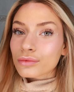 Easy way to do your everyday makeup with a couple products makeup videos Natural everyday makeup Natural Everyday Makeup, Natural Makeup For Brown Eyes, Wedding Makeup For Brown Eyes, Make Up Looks, Korean Makeup Tutorial Natural, Celebrity Makeup Transformation, Pale Skin Makeup, Makeup Eyes, Beauty Make-up