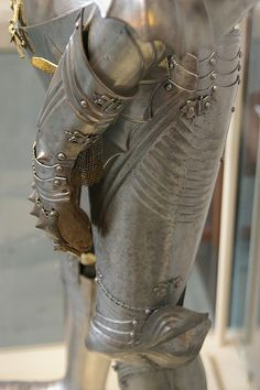 Gauntlet and leg defenses by THoog, via Flickr Leg Harness, Roman Emperor, Arm Armor, Medieval Armor, 15th Century, Blacksmithing, Knights, Weapons, Costume