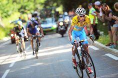 Cycling Photos @Passion_Cycling Vincenzo Nibali al ataque , Andiamo Squalo ! #TDF #TDF2014 Vincenzo Nibali attacks, Go Shark! #TDF2014  #TDF