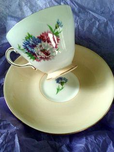 Vintage Tea Cup - Royal Grafton Bone China - Made in England by ValsArtandVintage on Etsy