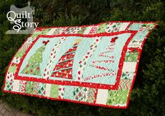 This gives me some ideas!  PDF Quilt Pattern/ Christmas/ Modern/ Easy Table Runner / Merry Little Christmas