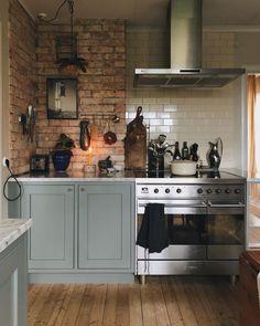 Kitchen Reno, Diy Kitchen, Kitchen Remodel, Kitchen Cabinets, Kitchen Ideas, English Kitchens, Summer Kitchen, New Home Designs, Kitchen Organization