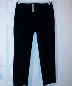 "Ann Taylor black Carnegie Crop Pants Sz 4 NWT Black. Cotton & spandex blend. 2 faux slot pockets in back. Zip fly w/ button and two hook closure. Waist 31"". Rise 8"". Inseam 25.5"". NWT Ann Taylor Pants Ankle & Cropped"
