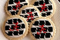 For my Alabama friends...  @On A Lark Creations out of Tyler, Texas (facebook page) Cookie won Sweet of the Week @sweetopia