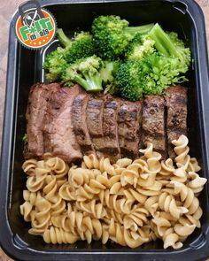 "Lunch today provided by @f.itmeals . Look at this picture. If this is not picture of eating clean I don't know what is. NO FILTER just that good!!!!!!!!! 100% Organic Grass Fed Angus Steak broccoli and whole wheat pasta. The meat is amazingly tender and the taste is on another level. I think this is my favorite so far. The pasta tastes like I just made it ""fresh"". So glad I found this company. QUALITY food healthy and no prep from me. All I have to do is grab one out of frig so easy.  Check…"