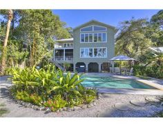 Gorgeous homes for sale, luxury condos for sale, waterfront properties, beach homes, investment real estate in Sarasota, Florida -- www.TrueSarasota.com