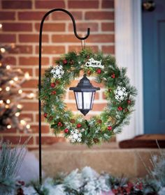 SOLAR STAKE CHRISTMAS LANTERN WREATH-YARD DECOR