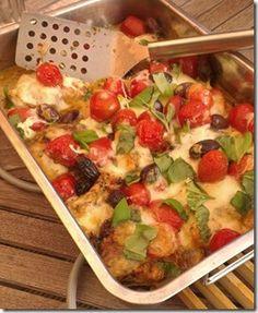Mozarella-Auflauf! Auf Bezauberndes Leben gibt es das tolle Rezept dazu!  http://www.bezauberndes-leben.de/tomaten-mozzarella-auflauf/