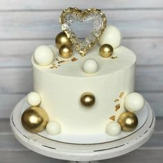 New Birthday Cupcakes Decoration Ideas Cake Tutorial Ideas Pretty Cakes, Beautiful Cakes, Amazing Cakes, Cake Decorating Techniques, Cake Decorating Tips, Elegant Birthday Cakes, Cake Birthday, Birthday Parties, Buttercream Cake Designs