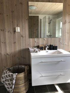 Cottage Bathrooms, Alpine Style, Double Vanity, Scandinavian, Woods, Houses, Cabin, Interior, Home Decor