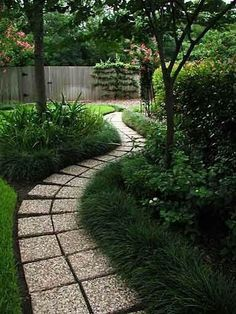 This design ideas are excellent for creating beautiful garden paths that agree with your landscape. Almost all of these examples are simple to create and would work nicely in nearly any garden design. I'm speaking about garden paths. Diy Garden, Dream Garden, Lawn And Garden, Garden Paths, Shaded Garden, Lush Garden, Landscaping Around Trees, Front Yard Landscaping, Privacy Landscaping