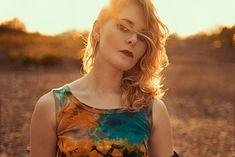 portrait, photography, woman, sun, model, pose, face, sunlight, outdoor, christina key, christina keys blog, 90ies, fashion, style, inspiration, girl,