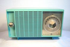 General Electric Table Top AM Radio in Blue/Green Pastel 1950's found on Ruby Lane