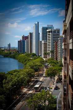 Av Beira Rio, Rio Capibaribe, Recife, Pernambuco. #Brasil #Viajar