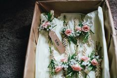 Country Buttonholes | Marquee Reception | Claire Fleck Photography | http://www.rockmywedding.co.uk/laura-sam/