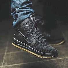 Nike Lunar Force 1 Duckboot 'Black' Winter is approaching... What are