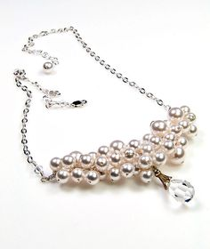 White Pearl Necklace White Beaded Necklace por CherylParrottJewelry