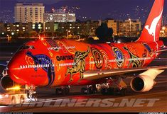 An airplane's body is massive. Some smart aviation companies decided to turn into a canvas. Aviation Humor, Civil Aviation, Aviation Art, Airplane Photography, Best Airlines, Jumbo Jet, Passenger Aircraft, Aircraft Painting, Airplane Art