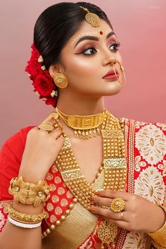 Bridal Makeup Images, Bridal Makeup Looks, Bridal Looks, Indian Bridal Photos, Indian Bridal Fashion, Bengali Bridal Makeup, Bengali Wedding, Earrings With Price, Indian Wedding Photography