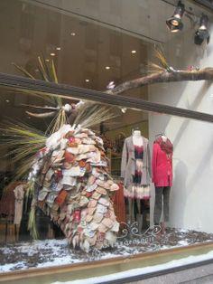 Anthro - stitched fabric creates pine come window display anthropologie win Front Window Design, Shop Front Design, Store Design, Retail Windows, Store Windows, Anthropologie Display, Store Window Displays, Visual Display, Window Art