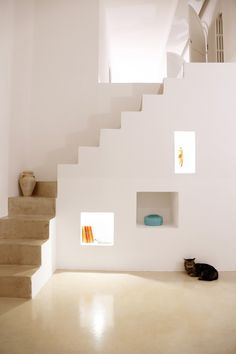 Built by NAUTA Architecture & Research in Avetrana, Italy with date Images by Roberto Micoccio. This two family house presents a traditional local row house scheme, introvert on the street and open on the back gar. Interior Stairs, Interior And Exterior, Interior Design, Architecture Details, Interior Architecture, Escalier Design, Casa Loft, House Stairs, Staircase Design