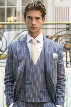 Pin by chuck deets on sharp dressed man in 2019 Preppy Mens Fashion, Suit Fashion, Runway Fashion, Fashion Beauty, Luxury Fashion, Sharp Dressed Man, Well Dressed Men, Fashion Magazines Uk, Mens Fashion Sweaters