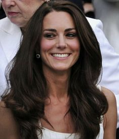 Duchess Kate Pregnant, Kate Fashion, Kate Makeup, Kate Middleton Hair, Princesa Kate Middleton, Kate And Meghan, Kate Dress, Royal Beauty, Prince William And Kate