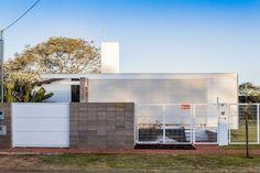 小屋1 480-Square-Foot-12.20-Contemporary-House-Design-7