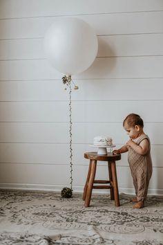 How to Bleach Wood Furniture — Balkanina 1st Birthday Photoshoot, Baby Boy 1st Birthday, Birthday Cake Smash, First Birthday Cakes, 1st Birthday Parties, Big Balloons, Birthday Pictures, Birthday Decorations, First Birthdays