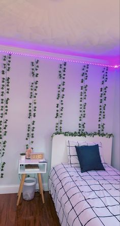 Indie Room Decor, Cute Bedroom Decor, Room Design Bedroom, Bedroom Decor For Teen Girls, Teen Room Decor, Room Ideas Bedroom, Room Ideias, Pinterest Room Decor, Neon Bedroom