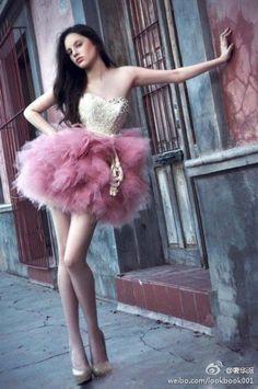 I always love short dress~