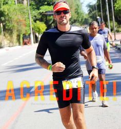 Essa foto é o registro da concretização de um grande sonho: Correr os 42km de uma maratona. Depois de tanta preparação e treinamento cheguei lá! Não ache que foi fácil pois foi preciso muita dedicação e determinação pra chegar lá. Foi difícil mas foi possível! E isso foi a prova que para conseguir o que queremos só é preciso acreditar e ir atrás! Seja o que for! Você também consegue! Tenham um excelente dia!! #acordapracorrer