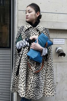 Paris Fashion Week. Leopard Cape!
