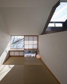 "152 Likes, 1 Comments - HouseNote  (@housenote.jp) on Instagram: ""外の景色が楽しめるように考えた畳の間 『 Wind-dyed House 』 ・ #acaa #和室 #japanesestyle #和風 #新築一戸建て #ハウスノート #housenote…"""